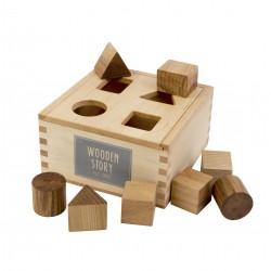 Caja de madera natural para encajar formas