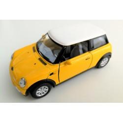Coche Mini Cooper amarillo